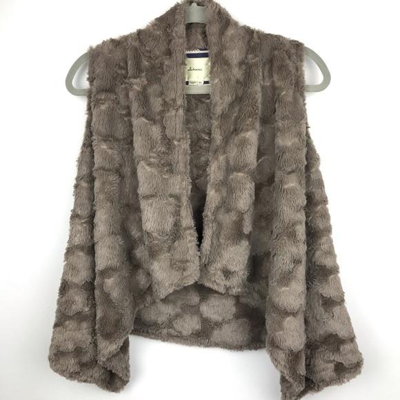 Anthropologie Jackets & Blazers - Anthropologie Elevenses Pelage Faux Fur Vest